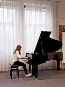 FOTO 8 - Renee na koncertu ljubljanskih gimnazij na ŠKG