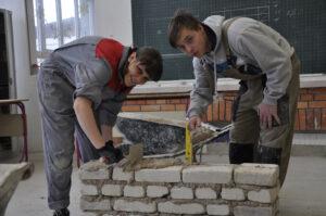 Pomočnik pri tehnologiji gradnje 1